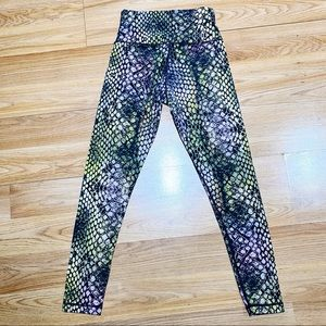 Aritzia ParkLife Reptile Workout pants Size Small